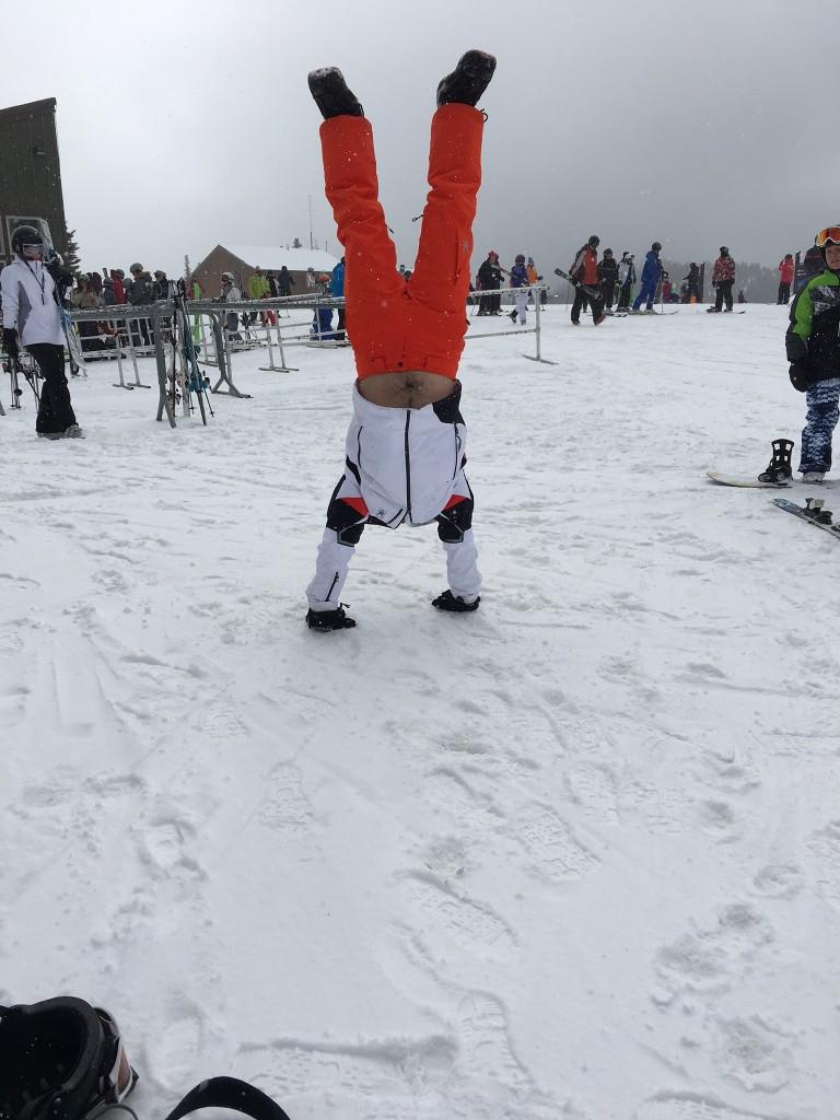 Ryan (Handstand)
